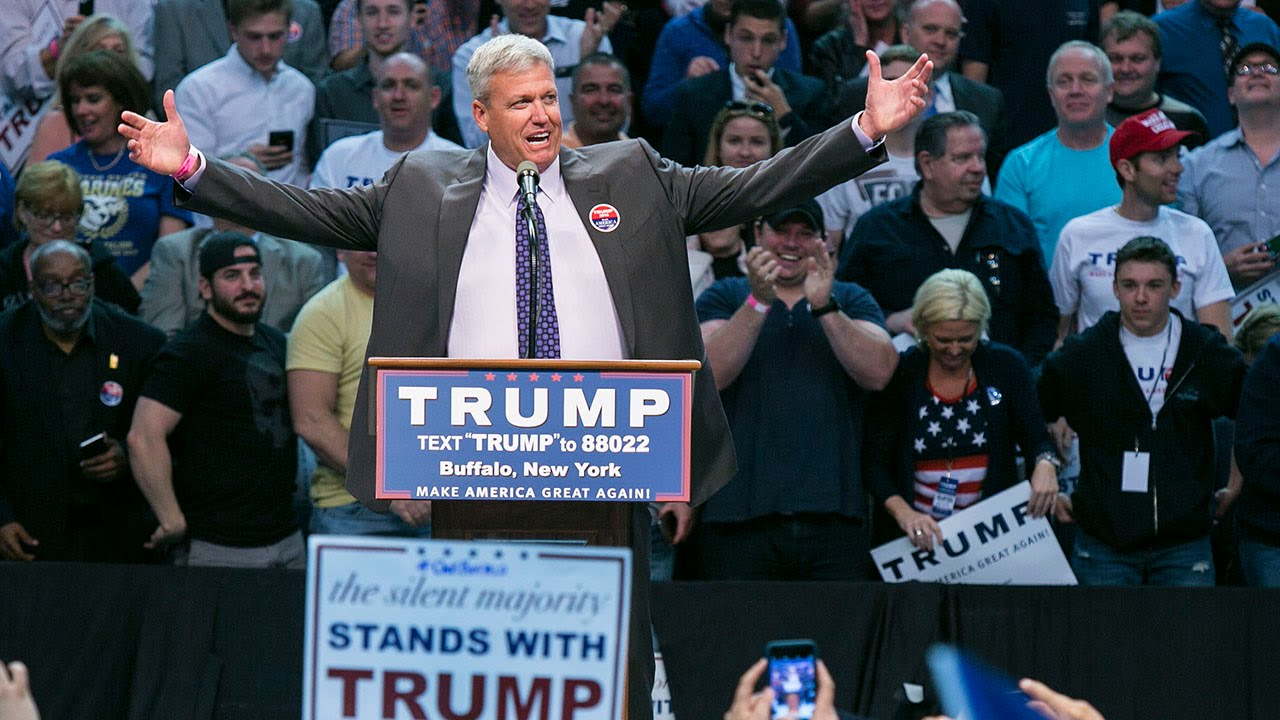 Rex Ryan introduces Donald Trump at rally in Buffalo