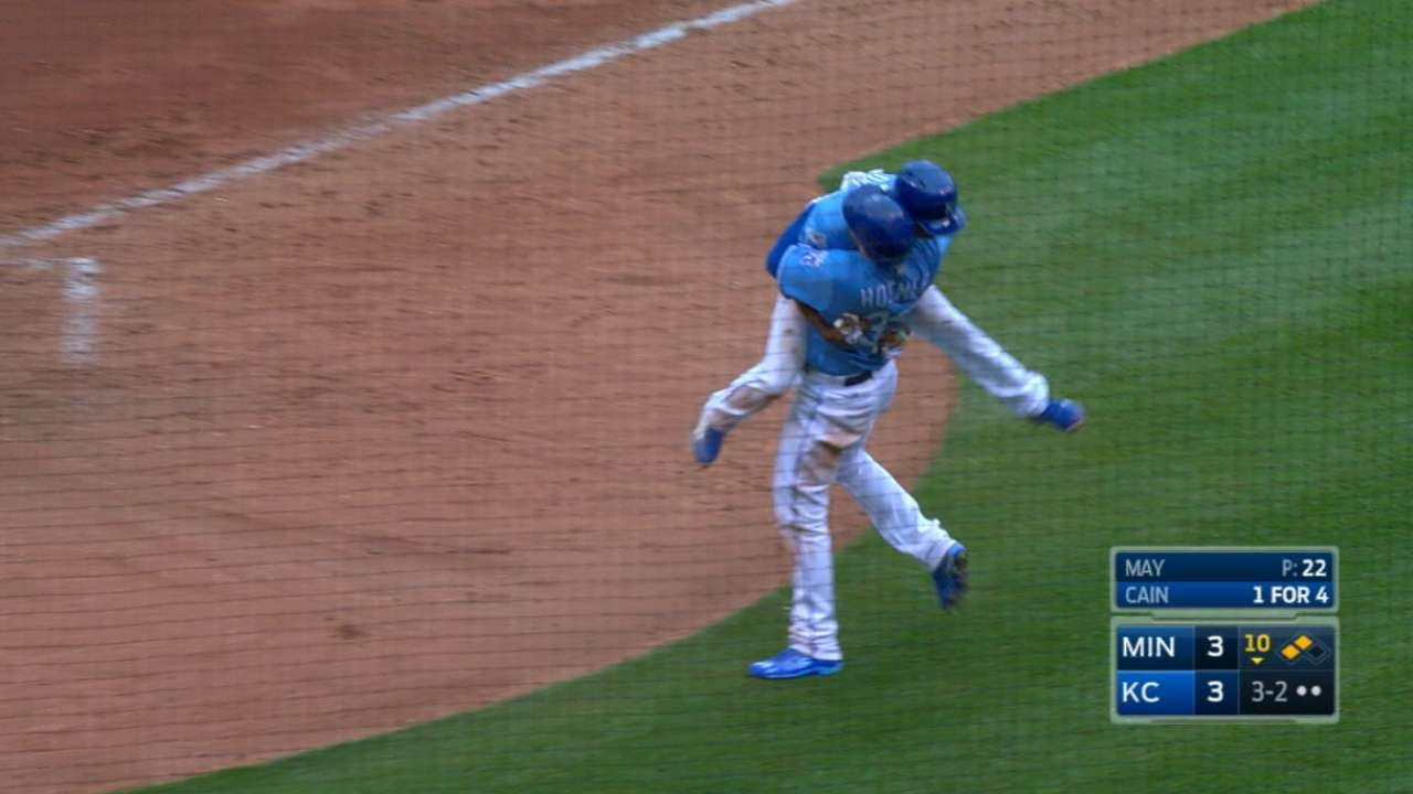 Royals get walk off win as Terrance Gore scores on wild pitch