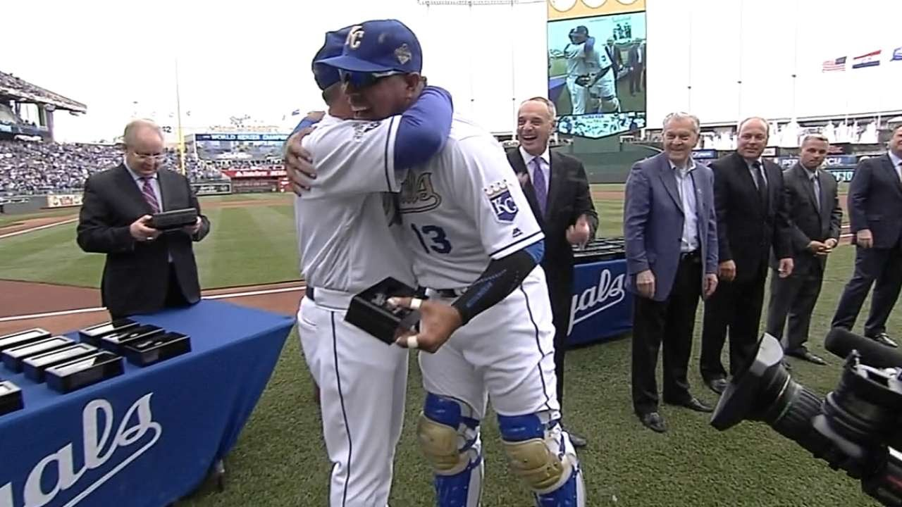 Royals receive their 2015 World Series rings