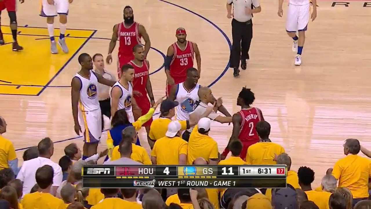 Stephen Curry shoves Patrick Beverley after getting tangled up