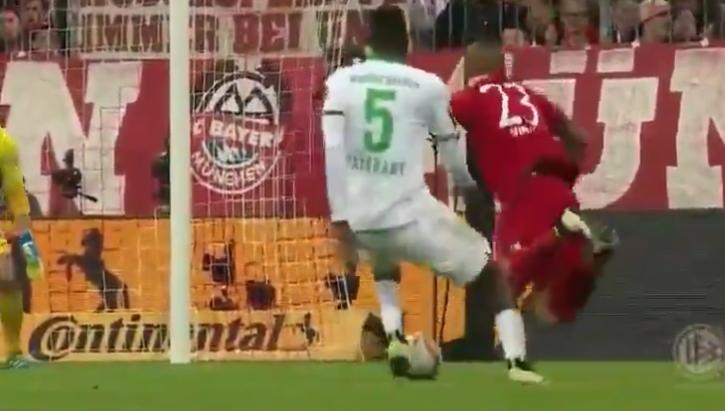 Arturo Vidal's with a horrible dive vs. Werder Bremen