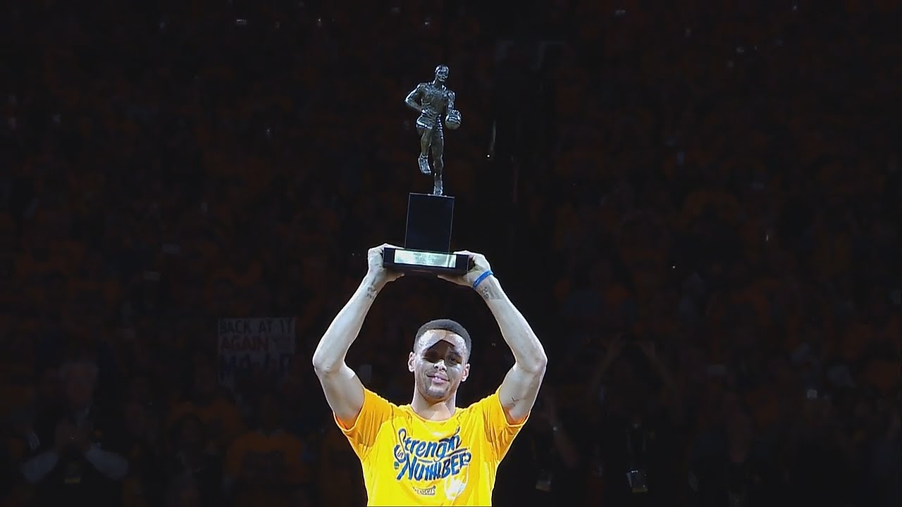 Adam Silver leaves Steph Curry hanging during MVP trophy presentation