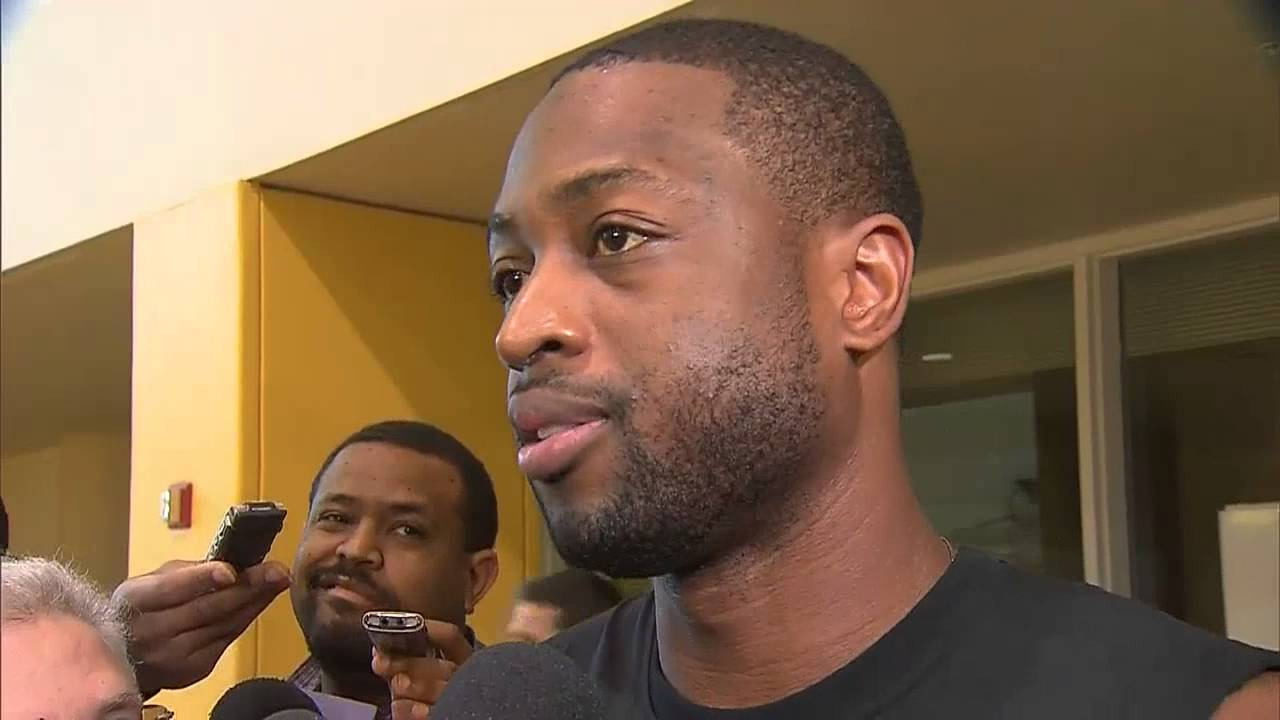 Dwyane Wade speaks on shooting during Canada's National Anthem
