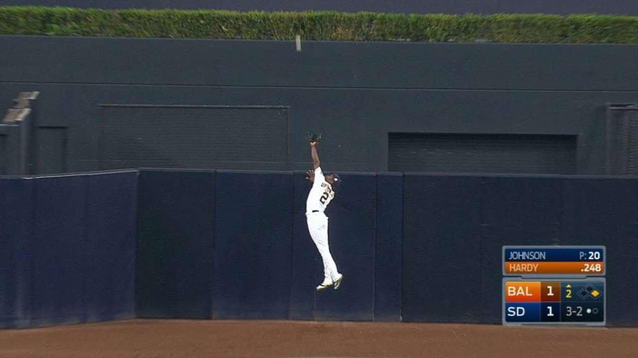 Melvin Upton JR makes amazing Home Run saving grab