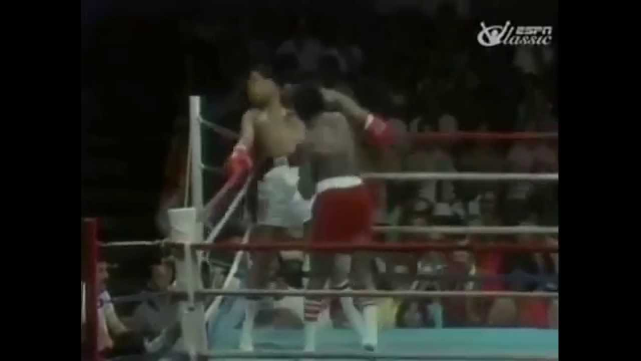 You Can't Touch This: Muhammad Ali toying with Michael Dokes on the ropes in 1977