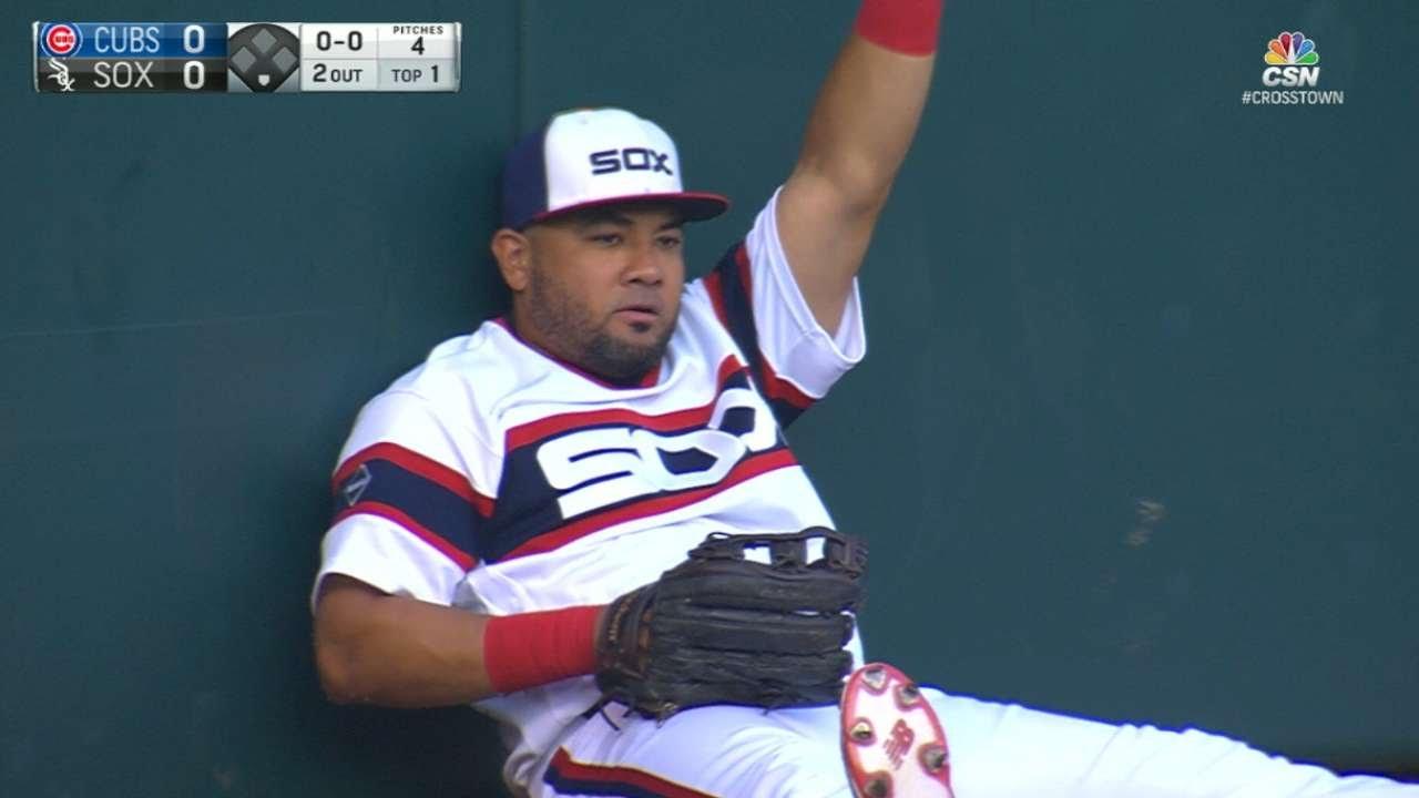 Melky Cabrera robs Kris Bryant of a Home Run