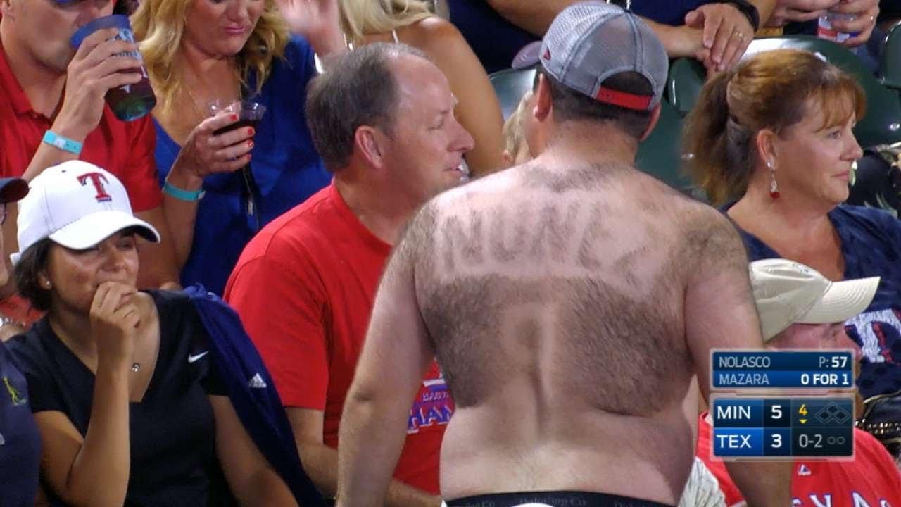 Twins fan shaved his back hair into a Eduardo Nunez jersey