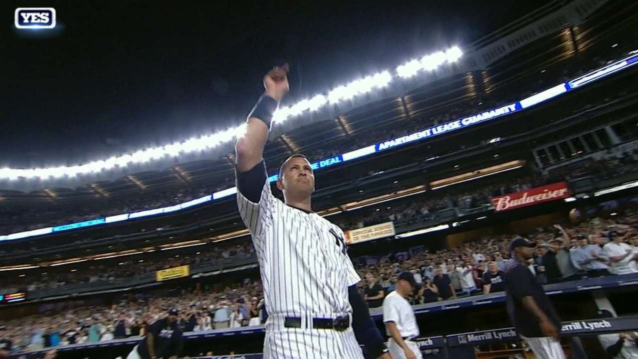 Alex Rodriguez leaves the field to a standing ovation