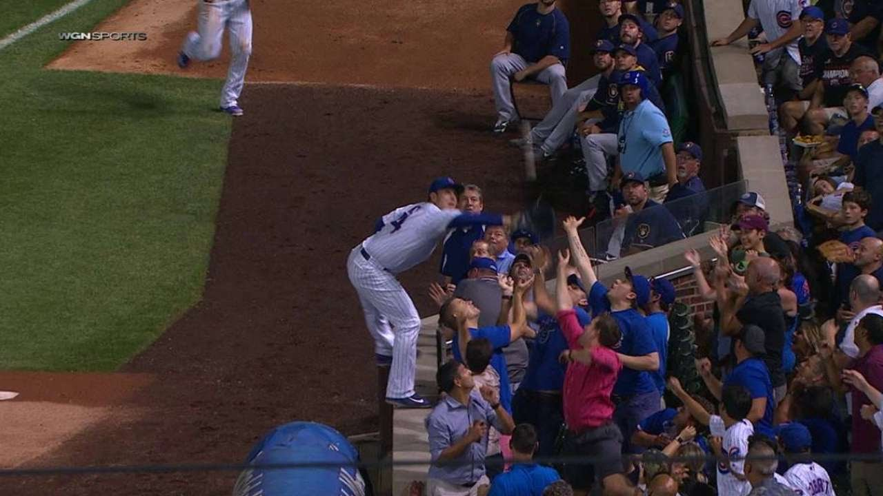 Anthony Rizzo makes unbelievable catch on 1st base wall