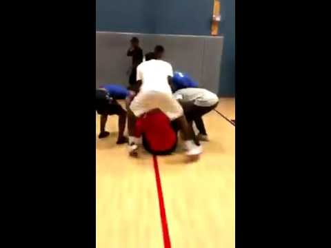 Wow: One of the most disrespectful poster dunks you will see