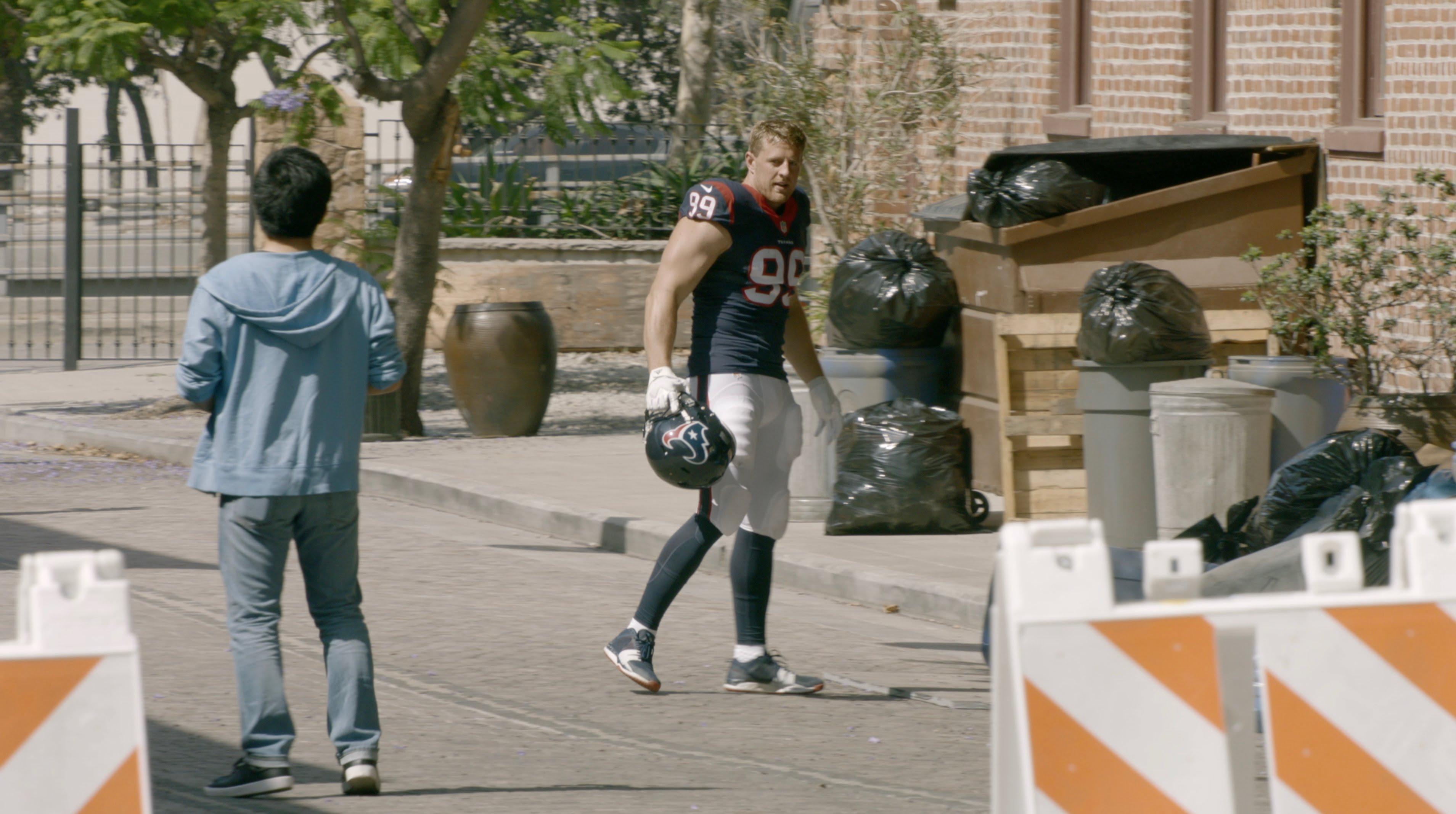 JJ Watt terrorizes a civilian in new Gatorade commercial