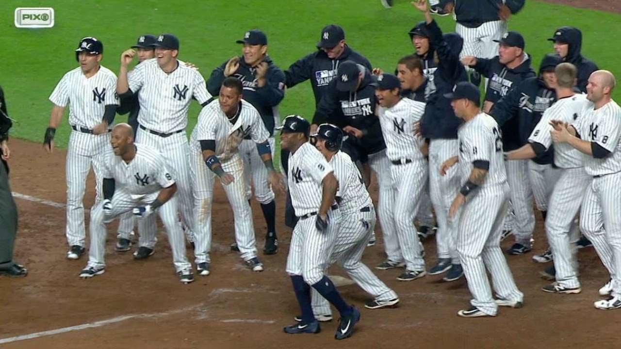 Mark Teixeira smacks a walk off grand slam for the Yankees