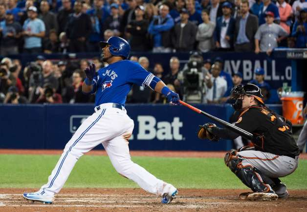 Edwin Encarnacion hits epic walk off home run for the Blue Jays