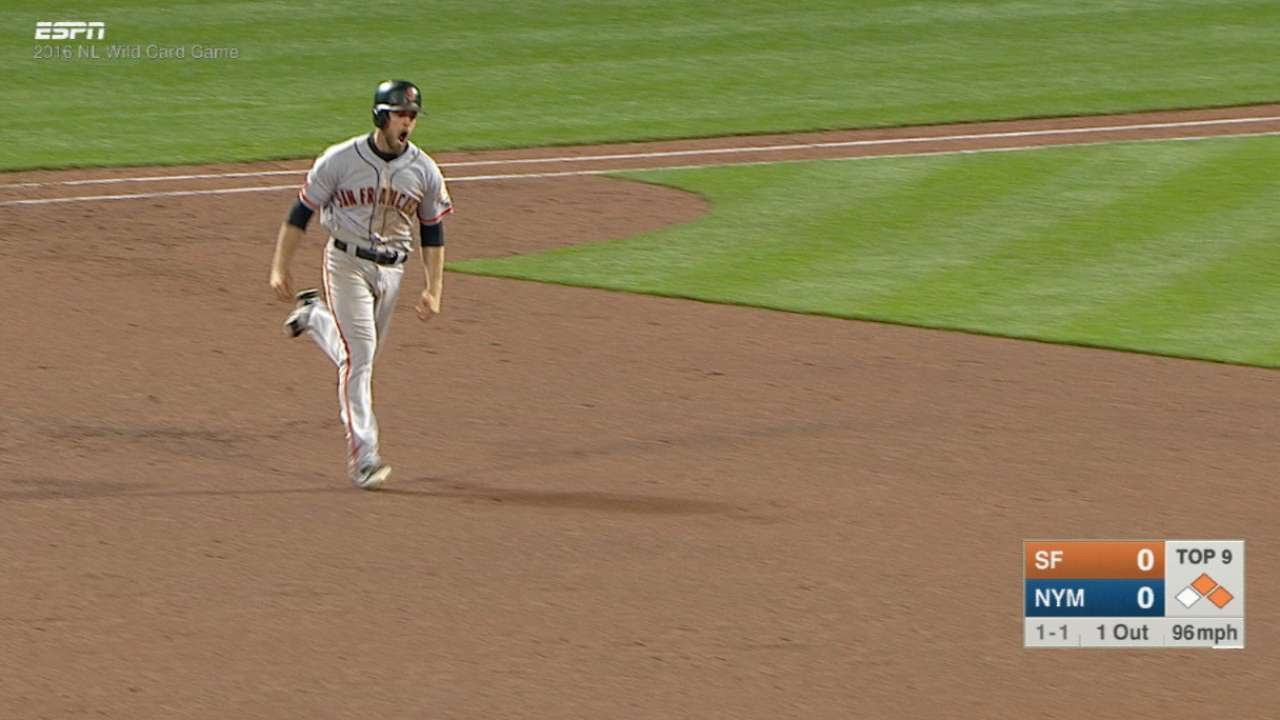 Conor Gillaspie delivers 9th inning home run for the Giants