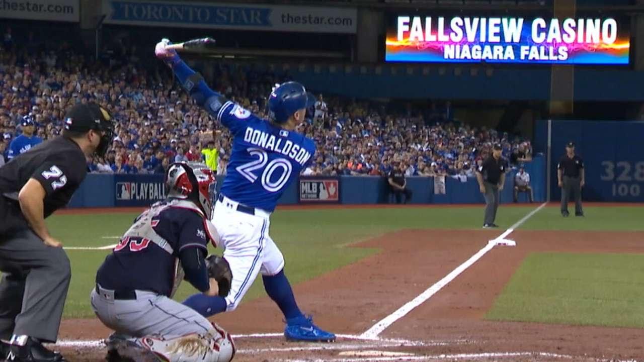 Josh Donaldson blasts solo homer to help Blue Jays win Game 4