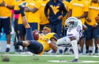 West Virginia's Shelton Gibson makes unbelievable catch while loosing his helmt