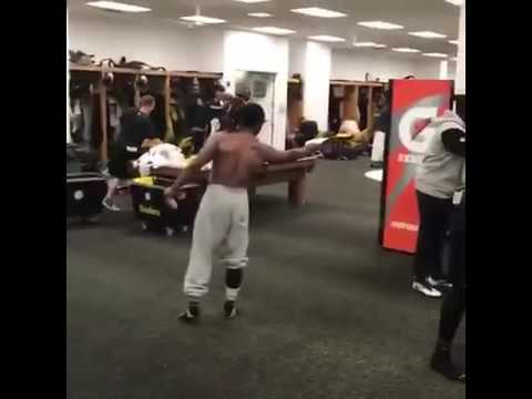 Antonio Brown & Pittsburgh Steelers ace the Mannequin Challenge