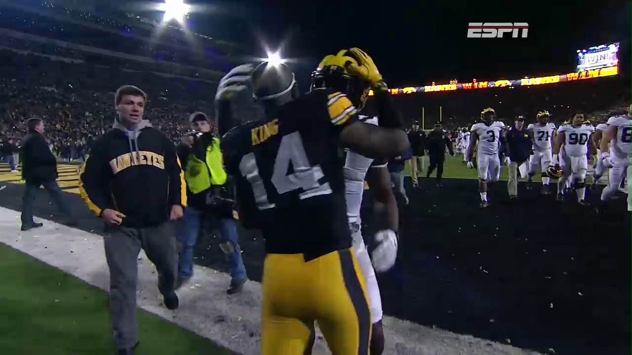 Iowa stuns Michigan with a last field goal to win 14-13
