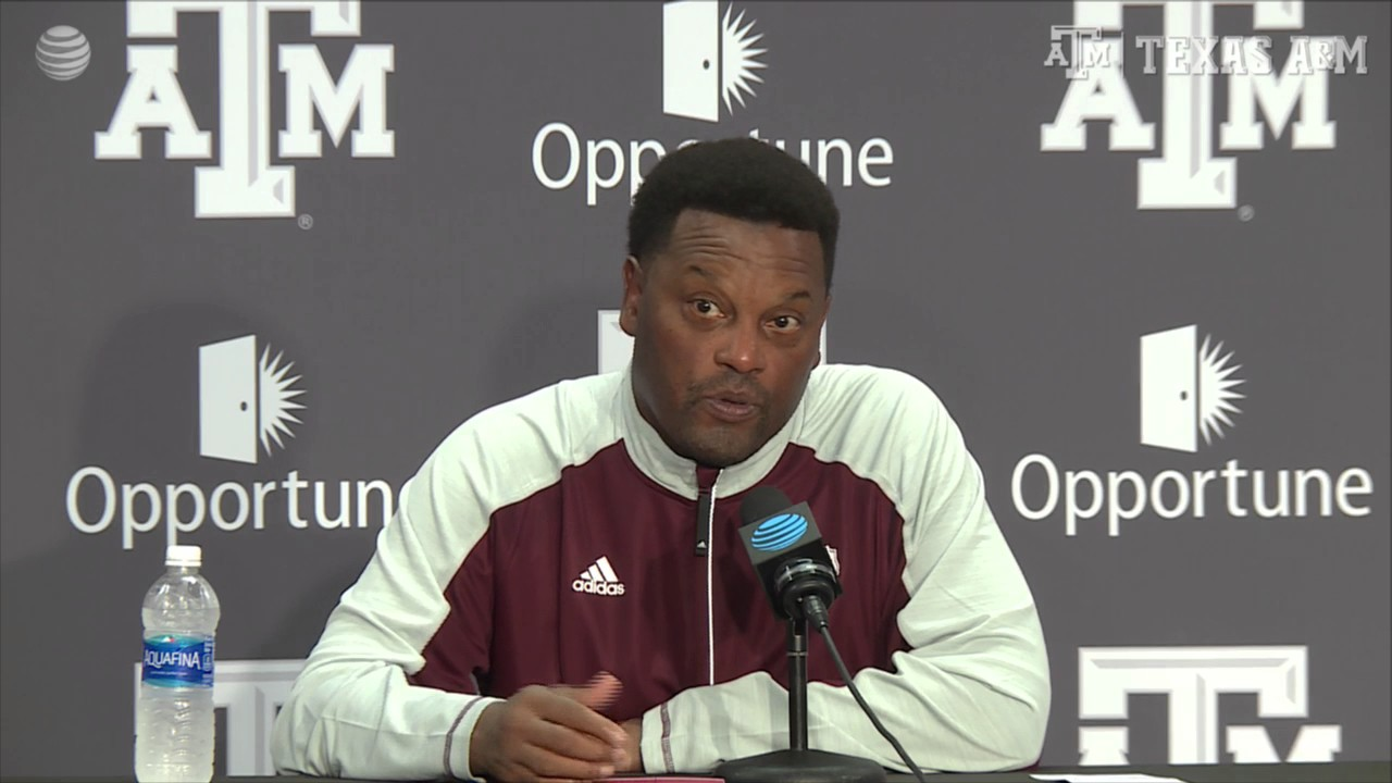 Kevin Sumlin announces Aggies QB Trevor Knight is out for the season
