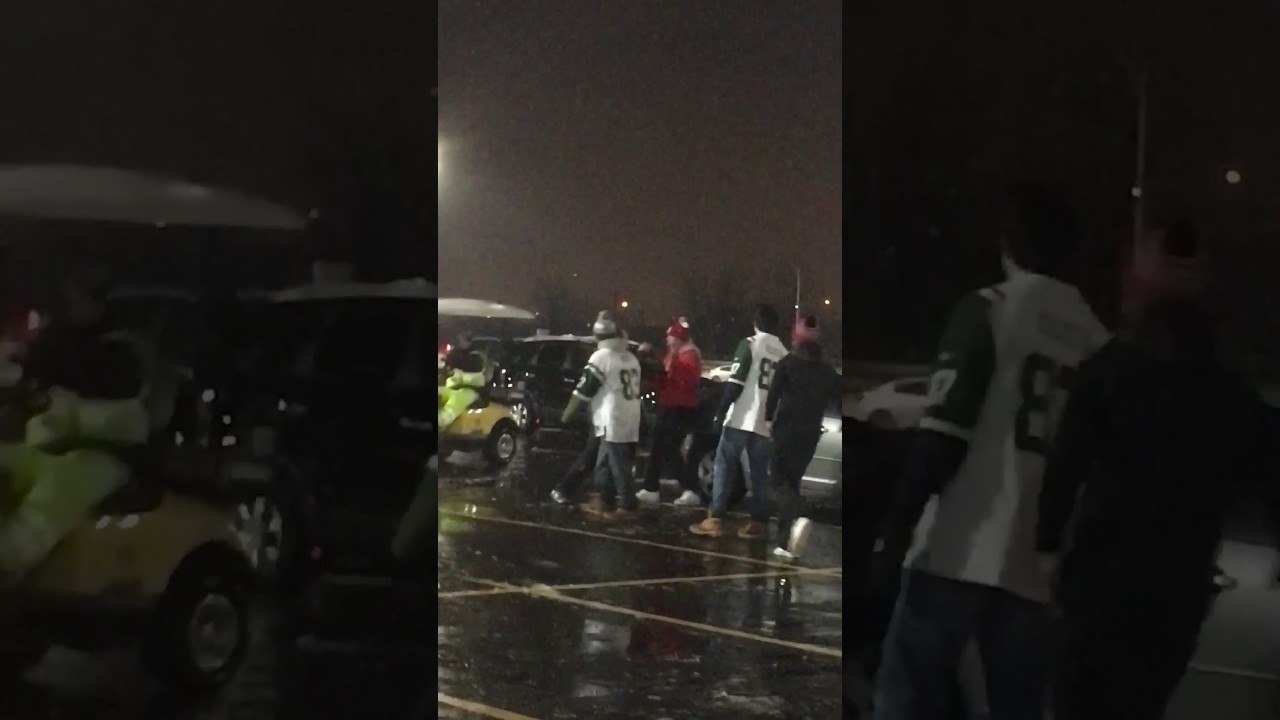 Dolphins fans brawl with New York Jets fans