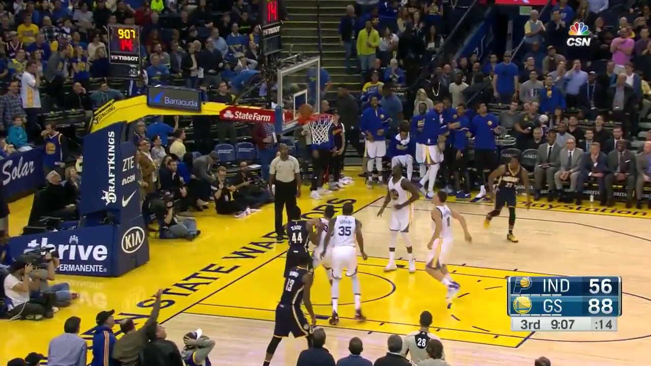 Golden State Warriors complete full court alley oop play