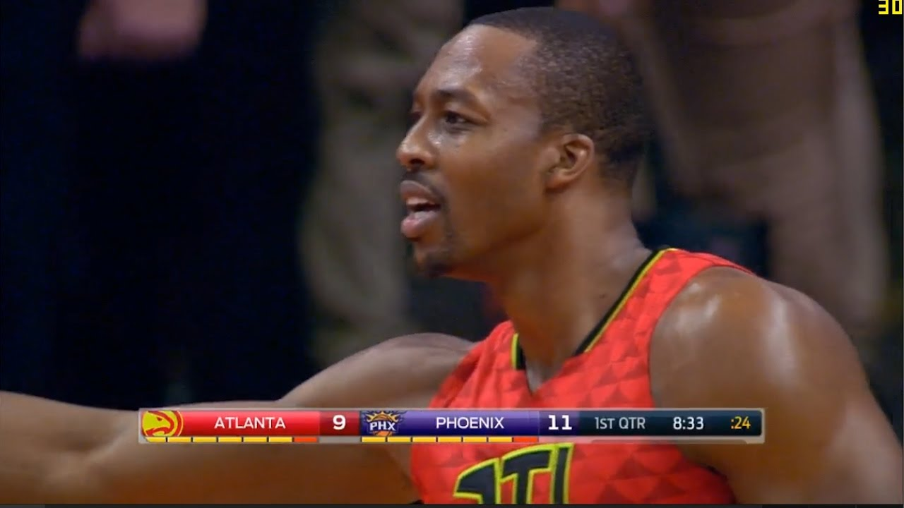 Shaqtin A Fool: Dwight Howard makes a horrible pass during fast break