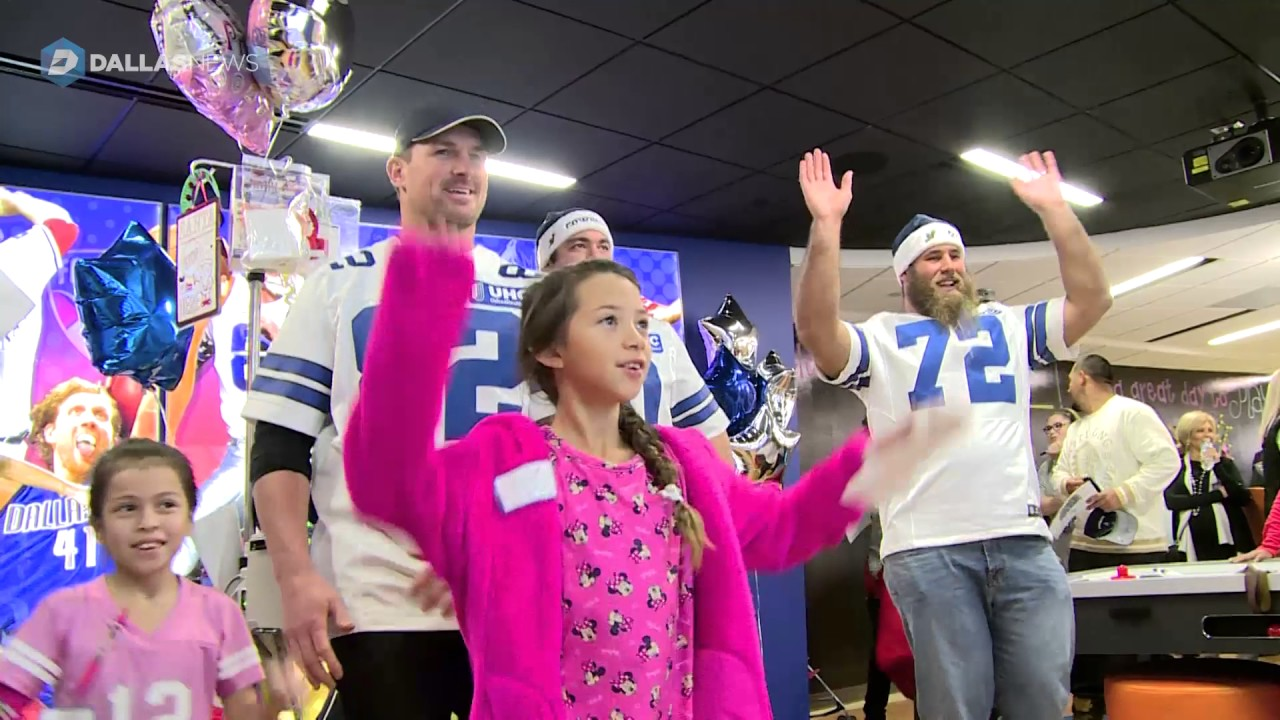 Tony Romo, Jason Witten, Dak Prescott & the Dallas Cowboys visit Dallas Children's Hospital