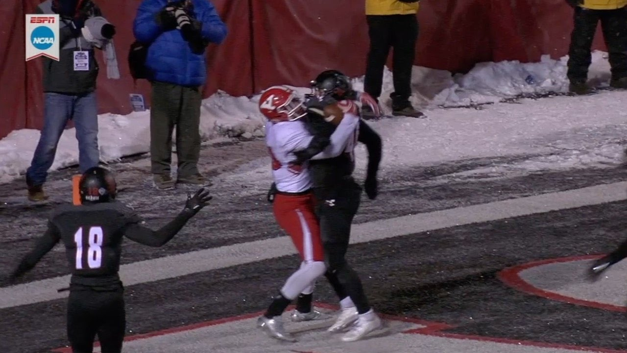 Youngstown State beats Eastern Washington with TD catch pinned to defender