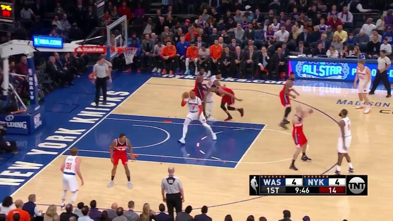 Carmelo Anthony air balls a point blank jump shot