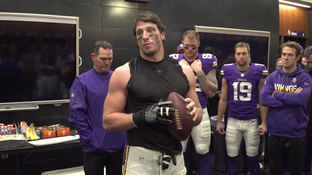 Chad Greenway's emotional locker room speech after Vikings Week 17 win