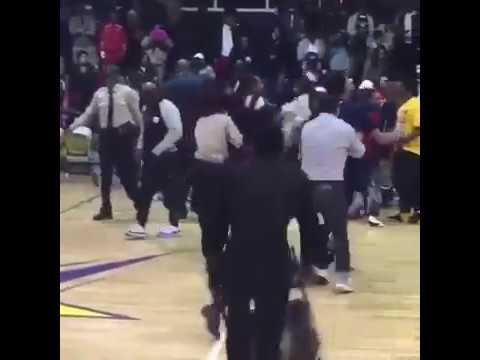 Massive brawl breaks out during LeMoyne-Owen vs. Lane College in Memphis