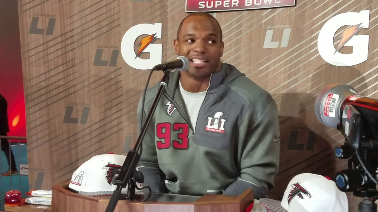 Dwight Freeney speaks on Atlanta's tight knit locker room (FV Exclusive)