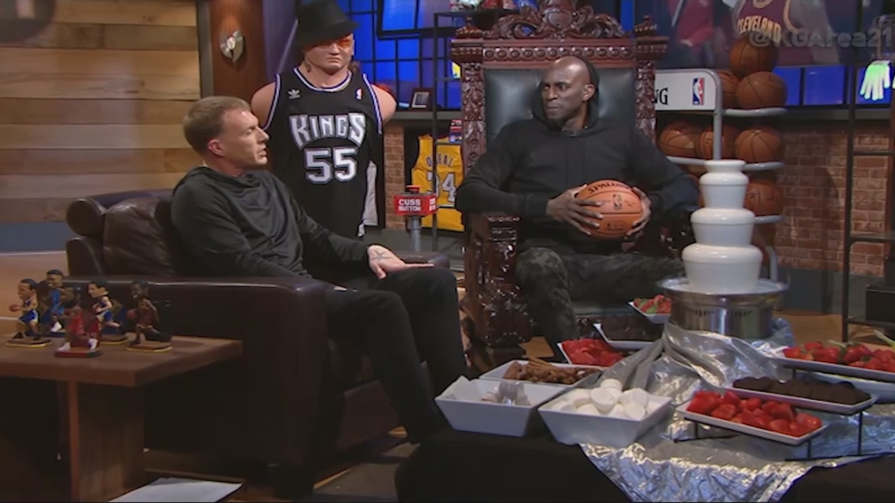 Kevin Garnett & Jason Williams react to LeBron James & Charles Barkley feud