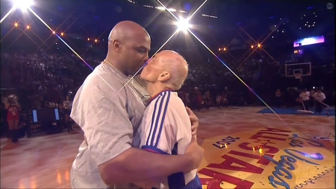 Shaq & Kenny Smith make fun of Charles Barkley for kissing Dick Bavetta