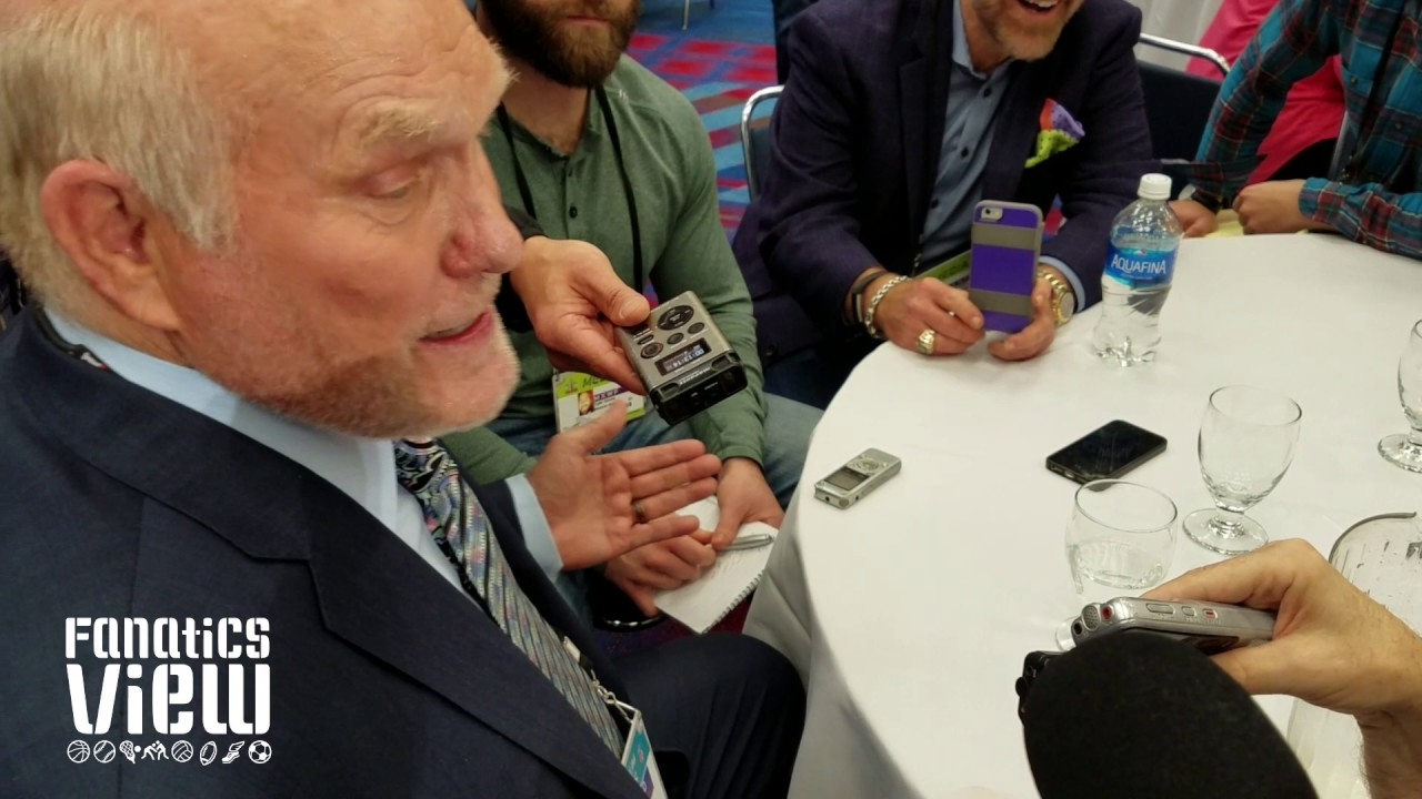 Terry Bradshaw on Tom Brady passing him in Super Bowl Championships (FV Exclusive)