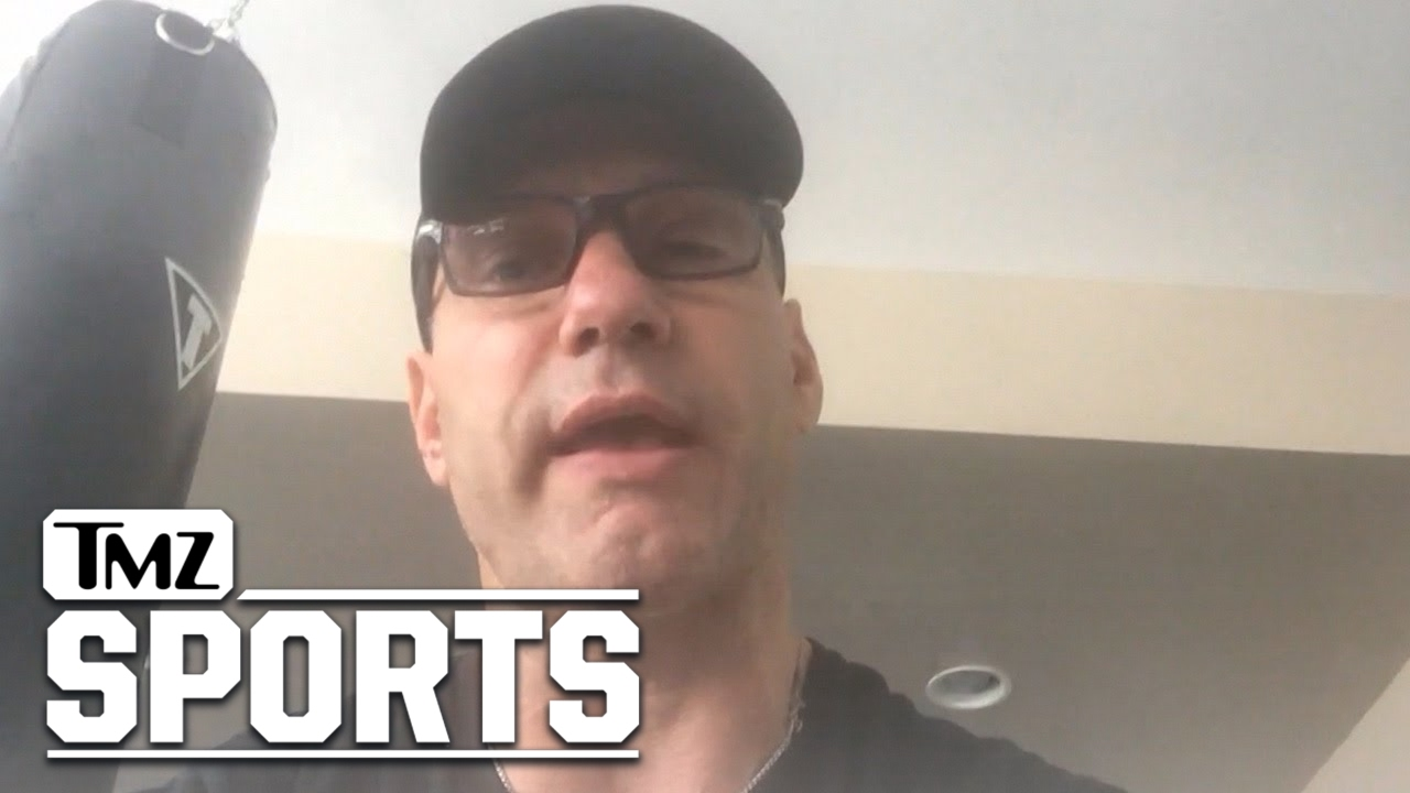 Detroit Lions legend Chris Spielman blasts Ezekiel Elliott for recent incident
