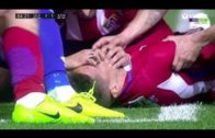 Fernando Torres suffers horrible head injury causing panic on the pitch