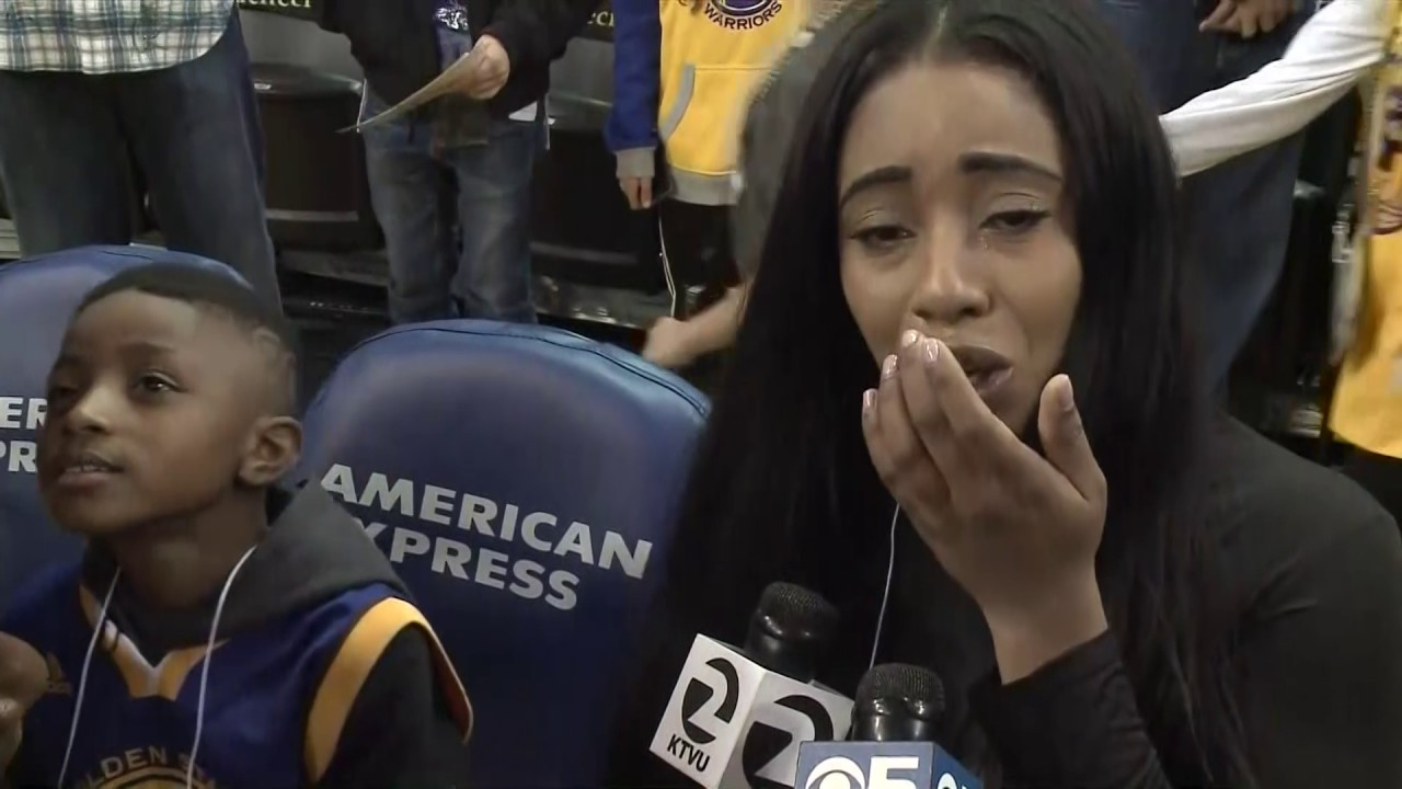 Golden State Warriors treat mom & son to court side seats after being burned by counterfeiters