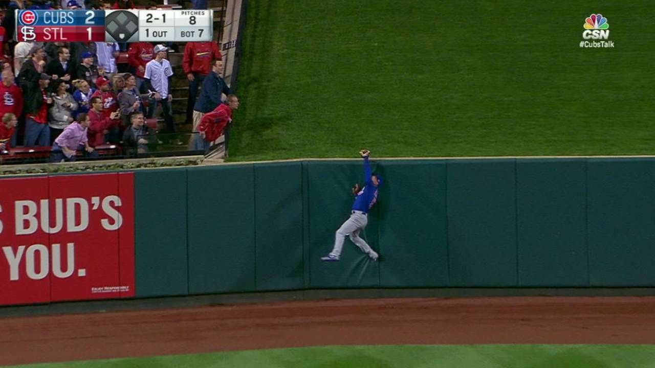 Chicago's Albert Almora Jr. makes a game saving catch for the Cubs
