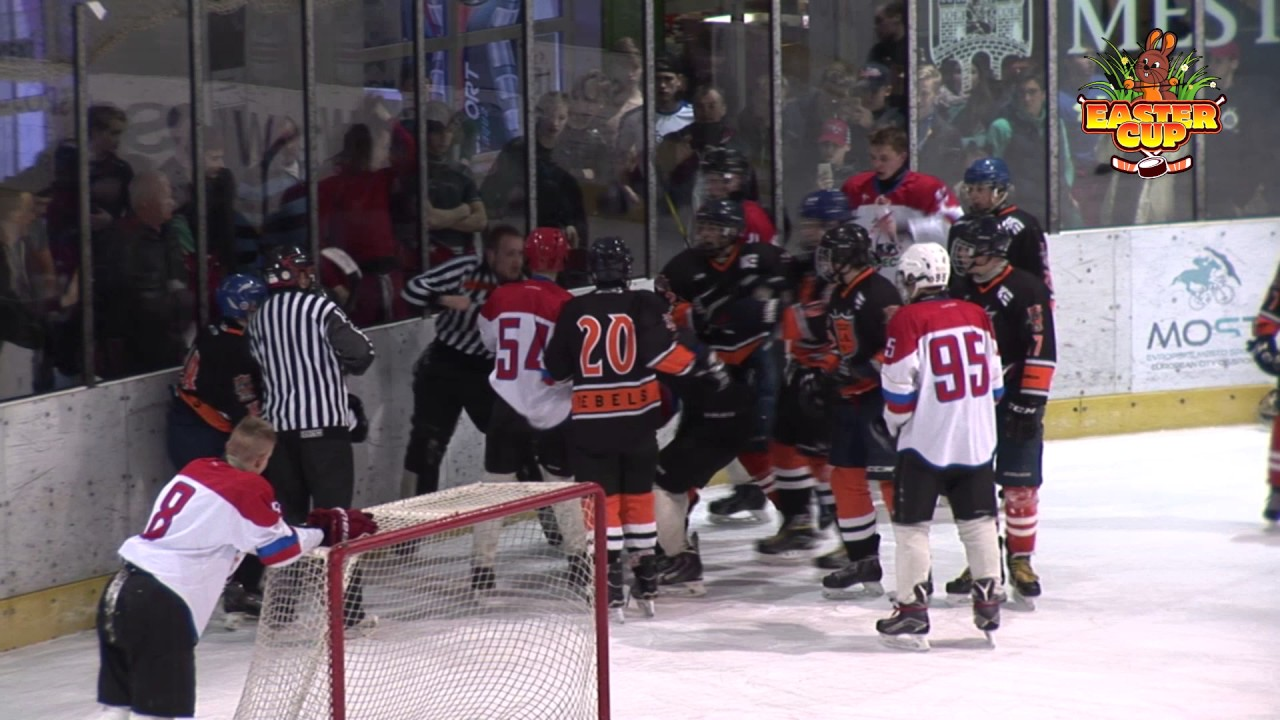 Insane Hockey brawl breaks out in Czech Republic U16 league