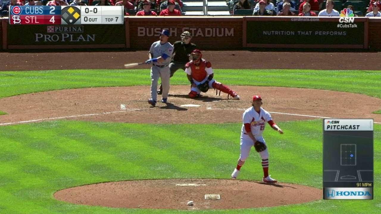 Kyle Schwarber destroys a go-ahead homer for the Cubs
