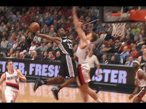 San Antonio's Jonathon Simmons throws down vicious slam vs. Portland