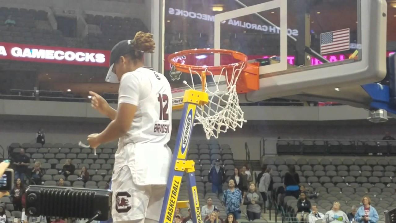 South Carolina cuts down National Championship net (FV Exclusive)