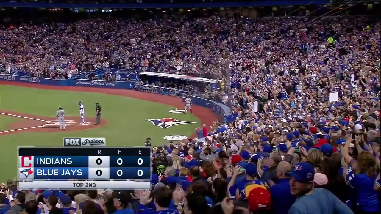 Blue Jays fans give Edwin Encarnacion a standing ovation in his return to Toronto