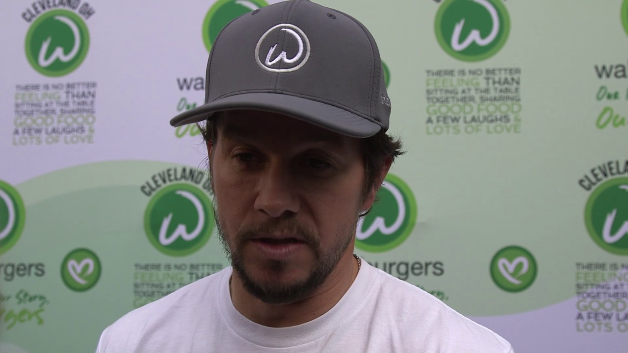 Mark Wahlberg asks LeBron to