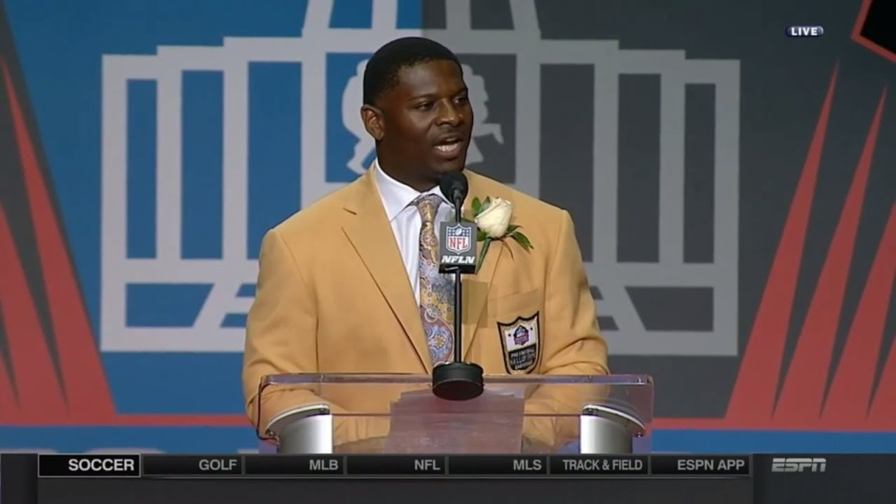 LaDainian Tomlinson gives passionate racial unity speech during Hall of Fame induction