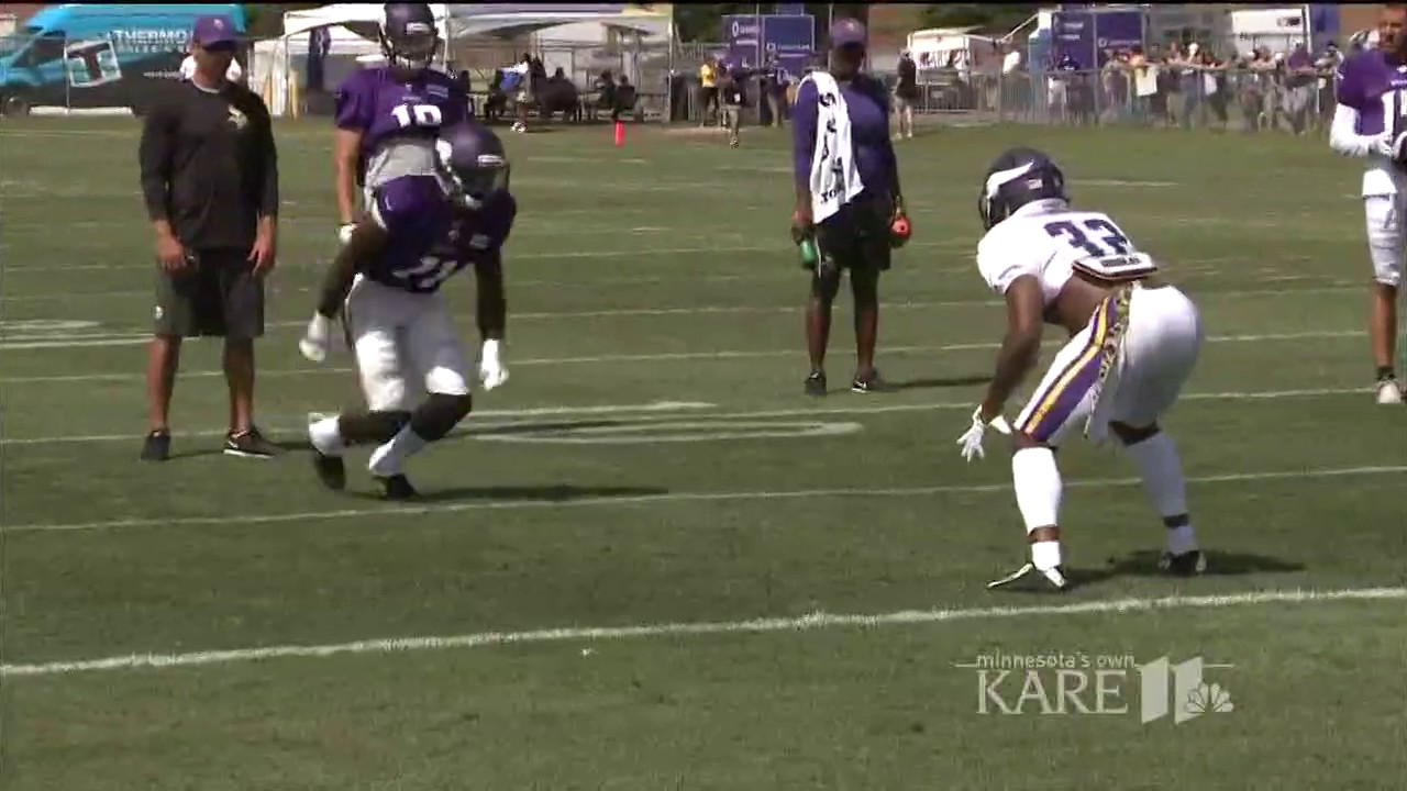 Laquon Treadwell & Antone Exum Jr. scuffle at Vikings training camp