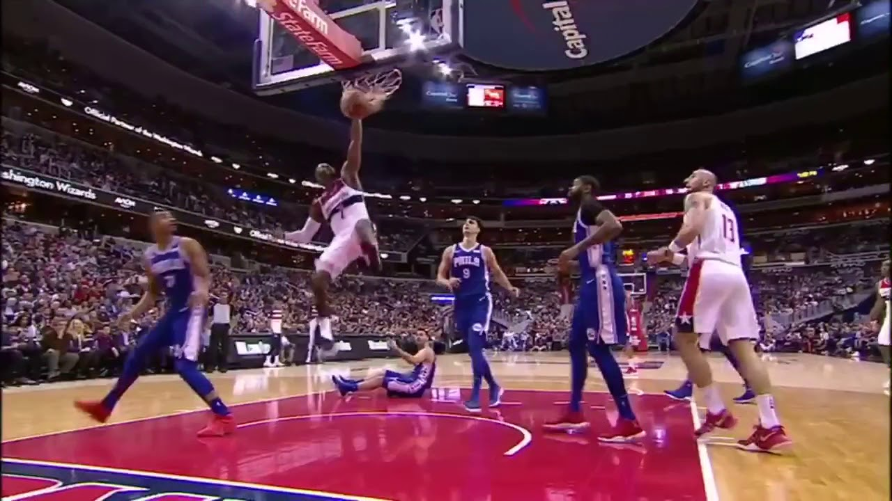 John Wall throws down the hammer