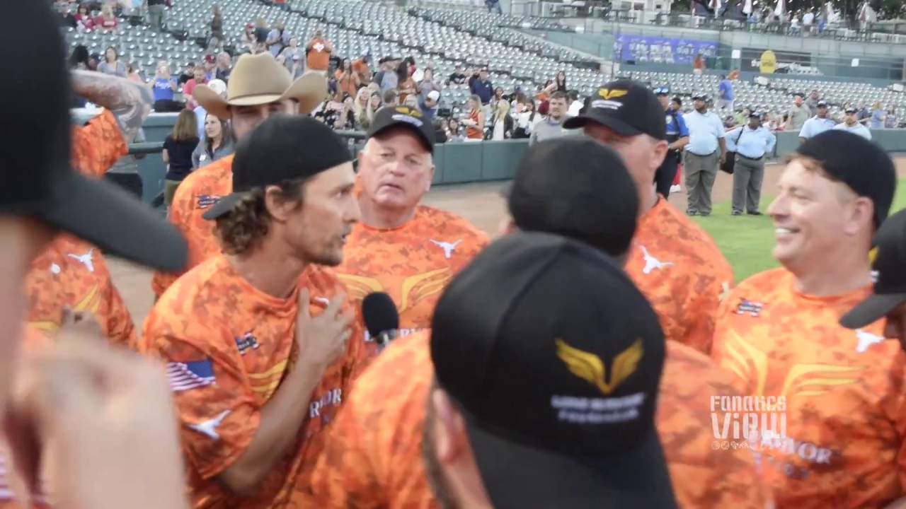 Matthew McConaughey breaks out his humming chant with Texas Longhorn greats