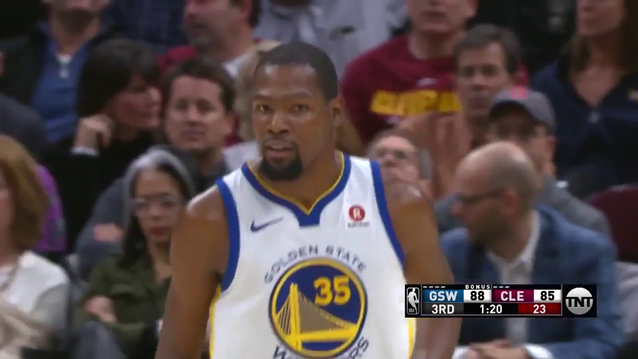 Durant drops 32 as Warriors beat downtrodden Cavs